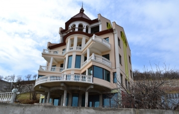 3-х этажный жилой дом с цокольным и мансардным этажами