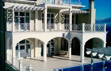 3-х этажная вилла с бассейном